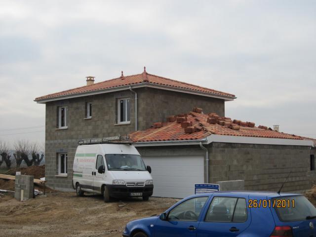 Maison de claire et david 26 janvier 2011 toiture plafond for Tuiles pour toiture maison